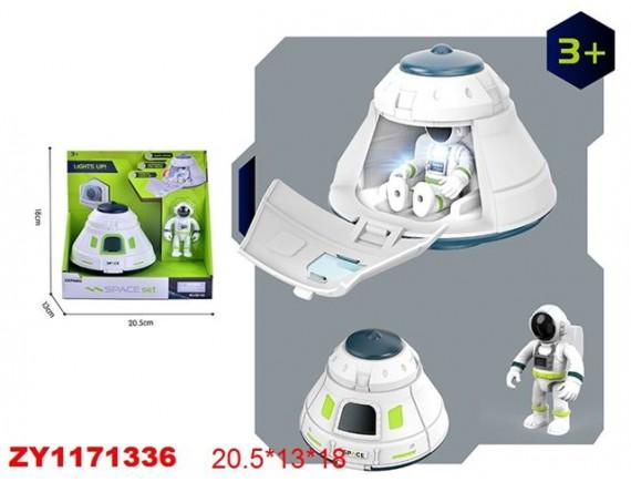 Космическая капсула с космонавтом 200770782