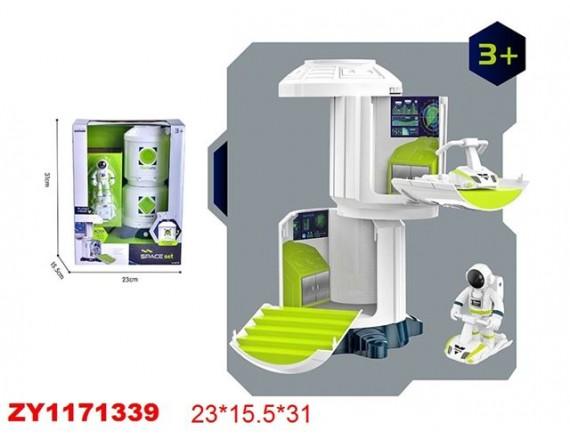 Космическая станция с космонавтом 200770796